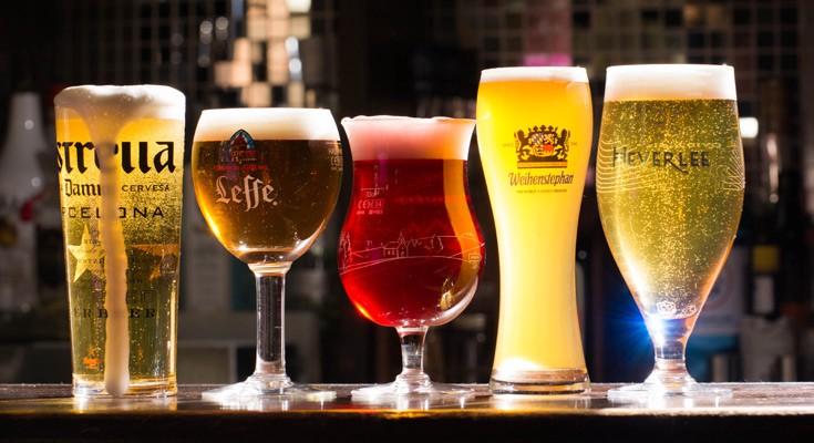 3b839e21b Há diversas maneiras para degustar uma boa cerveja ou um chopp bem gelado.  Em restaurantes, isso pode ser influenciado pelo estilo ou decoração do  próprio ...